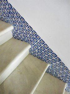 Escalera, Casa Pinillos, azulejos valencianos siglo XIX, Cádiz