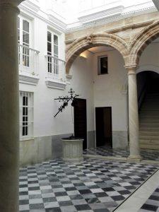 Casa Pinillos, Cádiz, patio
