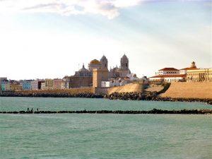 Playa Santa María del Mar, Catedral de Cádiz, turismo