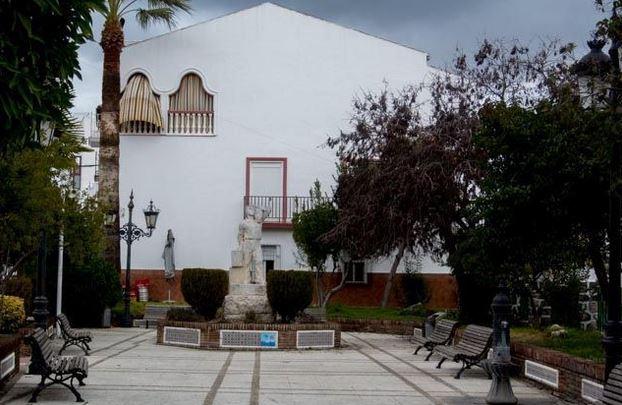 Plaza del Emigrante Destino Cádiz